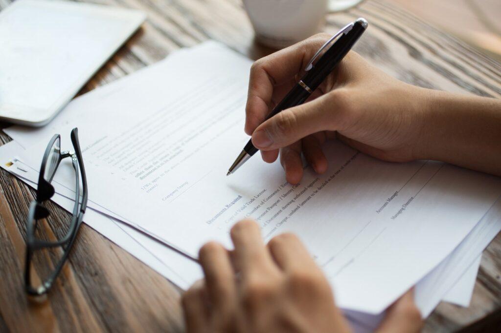 Derecho a indemnización-despido procedente